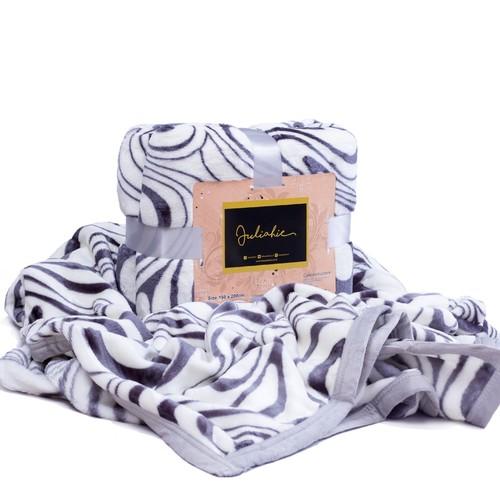 Juliahie Acrylic Blanket Motif 1