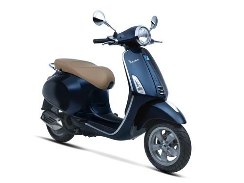 Vespa Sepeda Motor Primavera 150cc I-GET Non ABS - Midnight Blue