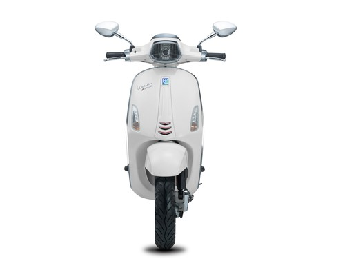 Vespa Sepeda Motor Sprint 150cc I-GET - White