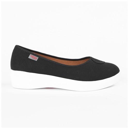 Wakai Plush Basic Black Sepatu Wedge (WAK0002855.C0129)
