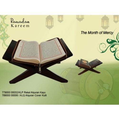 Al-Qur'an Cover Kulit + Rekal Al-Qur'an Kayu