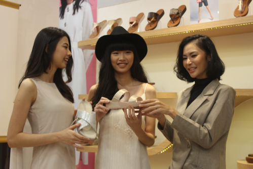 265df7c61 Bratpack.id - FITFLOP OPENS ITS FIRST STORE IN SURABAYA