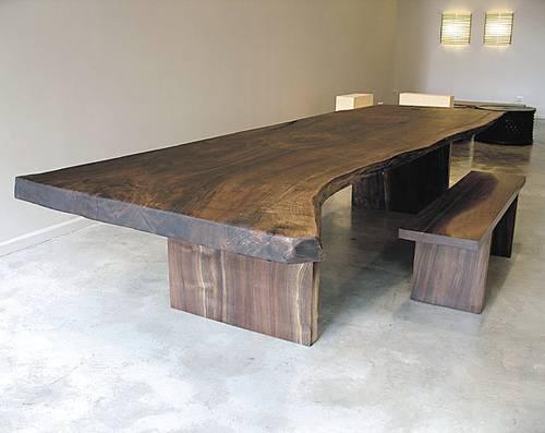Meja yang terbuat dari kayu meh yang lebarnya 90cm x2m alami tanpa