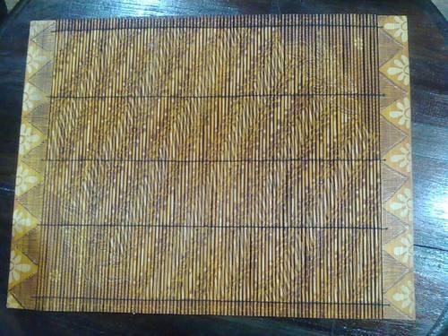 kerajinan dari bambu bisa dipakai untuk hiasan meja ataupun digantung ...