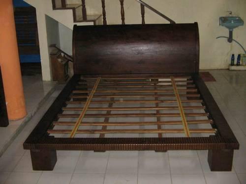 tempat tidur dengan design minimalis, tersedia berbagai ukuran ...
