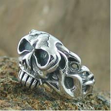 Jual Cincin Perak Model Tengkorak ( Rock You Ring )