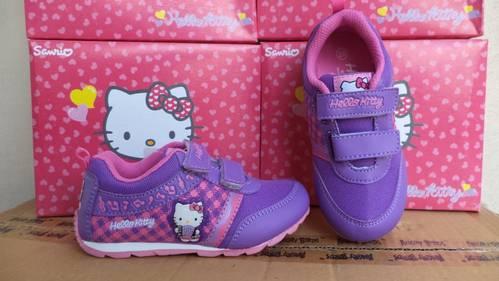 Model Sepatu Sekolah Anak Perempuan Hello Kitty Terbaru