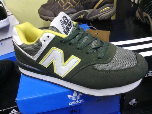 ... harga sepatu new balance 574 di indonesia ... b90c721417