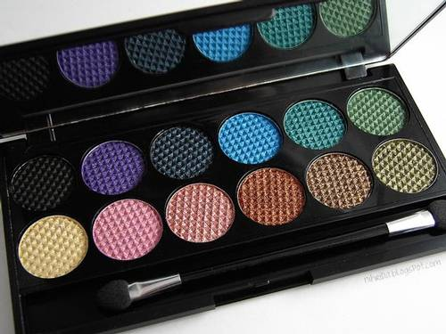 Jual {SLEEK} i Divine Eyeshadow - Original