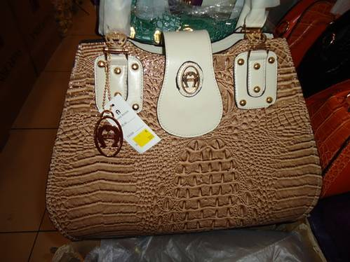 Jual Gudang Tas Asli Import Hongkong & China Gucci Furla, LV, Harga ...