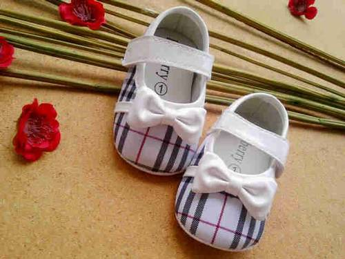 burberry girl shoes